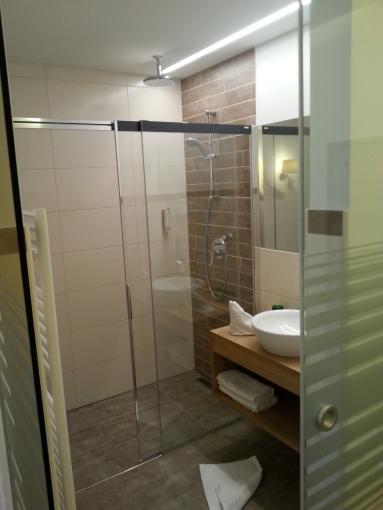 Badezimmer neu gestaltet
